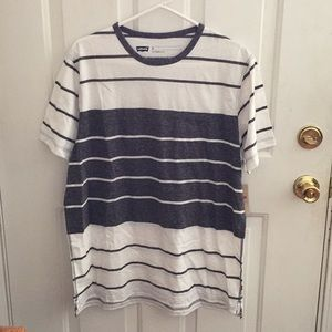 NWT Levi's Size XL Striped Short Sleeve Shirt